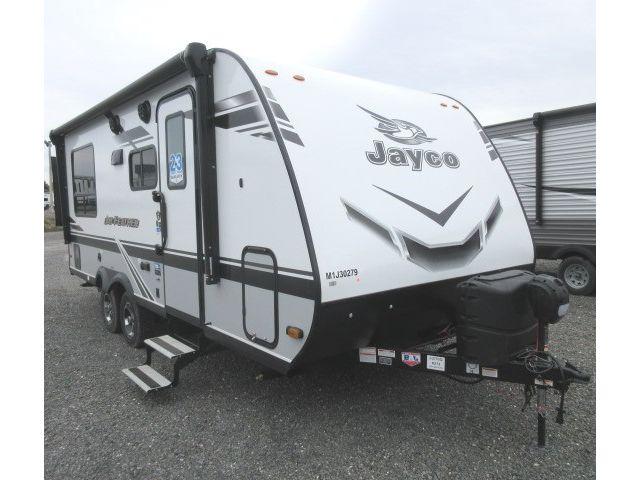 LS-J-2753Q Neuf Jayco Jay Feather TT X213 MODERN FARMHOUSE 2021 a vendre1