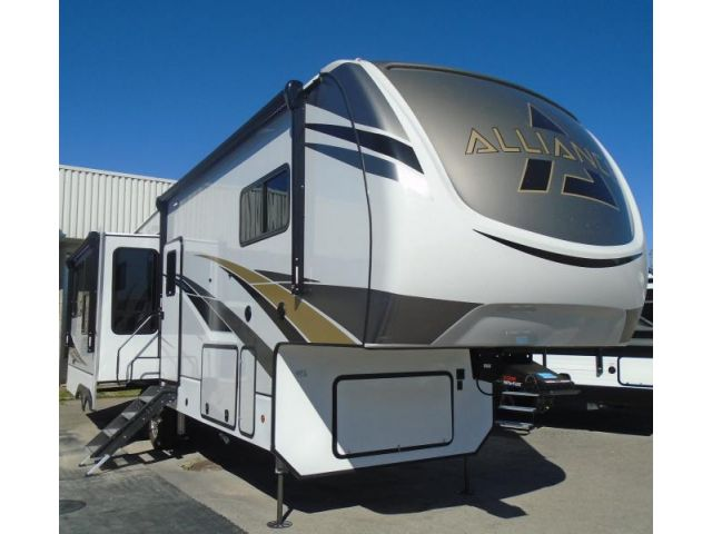 Paradigm Fifth wheel trailers Alliance Paradigm 310RL Seaport Mink