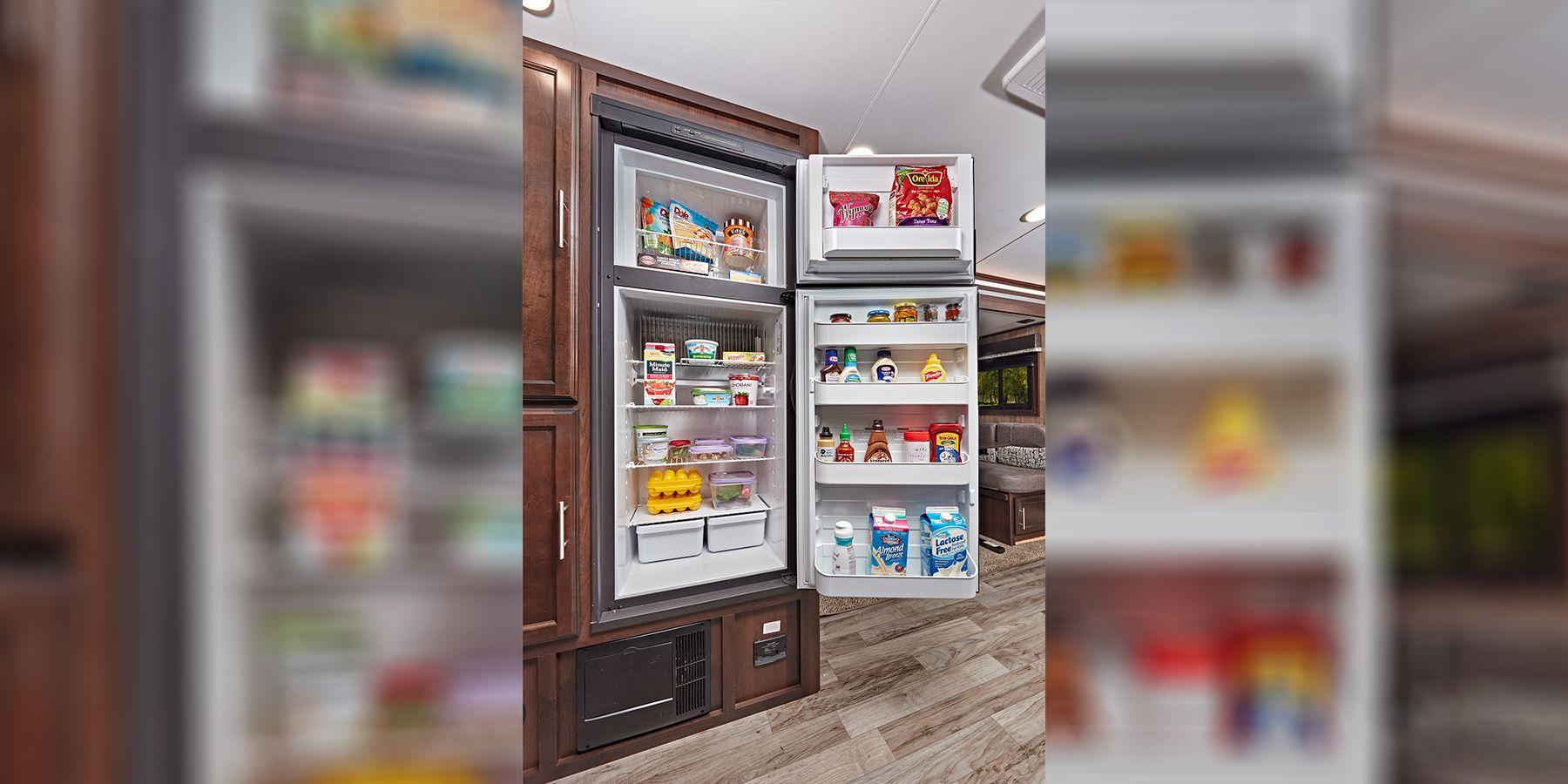 Comment fonctionne le réfrigérateur d'une roulotte?